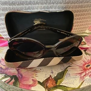 Burberry Sunglasses! Like New! Chic and AUTHENTIC
